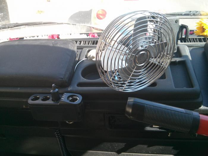 retro steel fan fitted on T25 dash