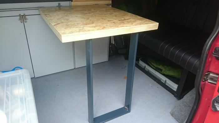 Table attached via Reimo sliding table rail