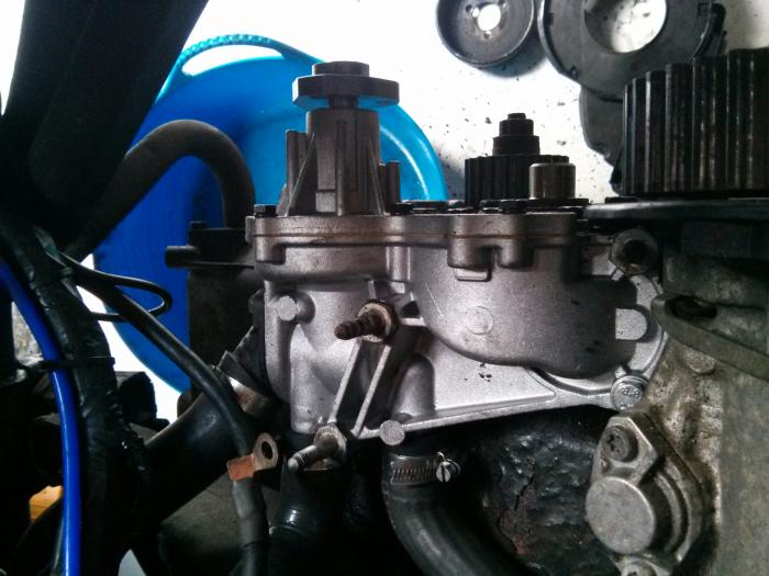 1Z waterpump fitted