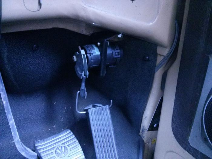 fly-by-wire throttle potentiometer mounted in footwell